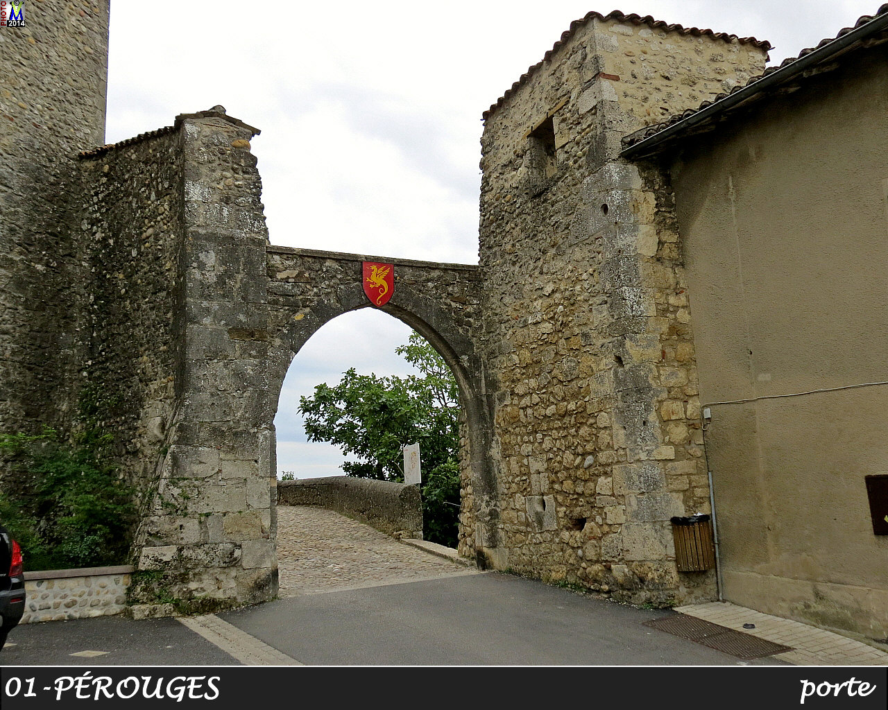 01PEROUGES_porte_102.jpg