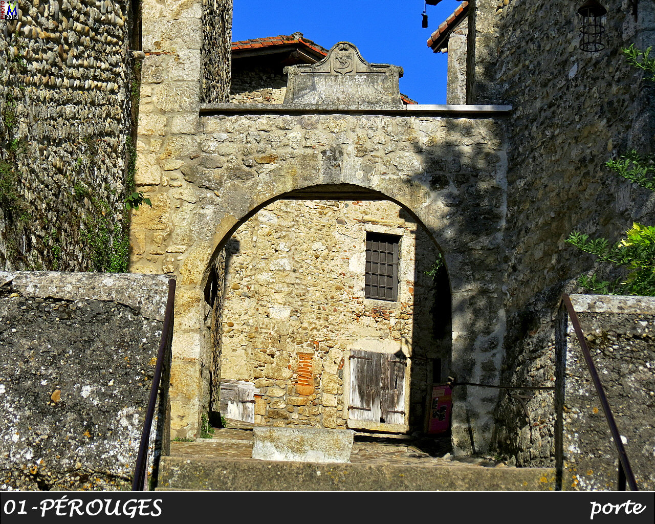 01PEROUGES_porte_156.jpg
