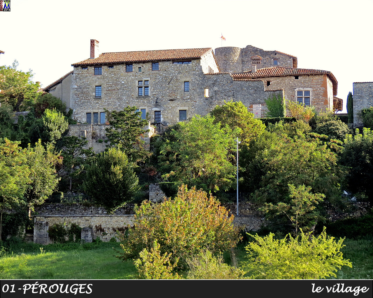 01PEROUGES_village_102.jpg