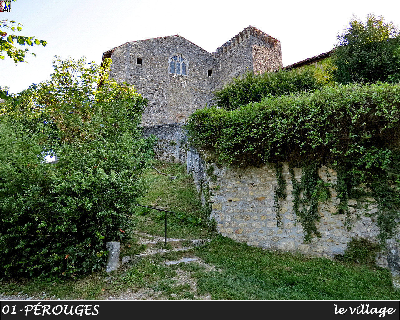 01PEROUGES_village_110.jpg