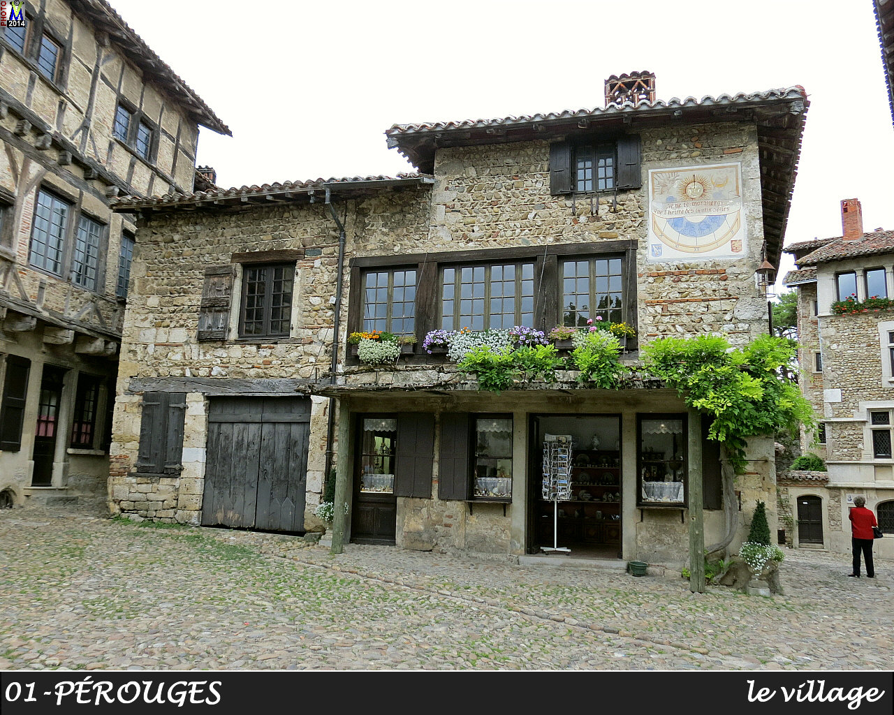 01PEROUGES_village_132.jpg