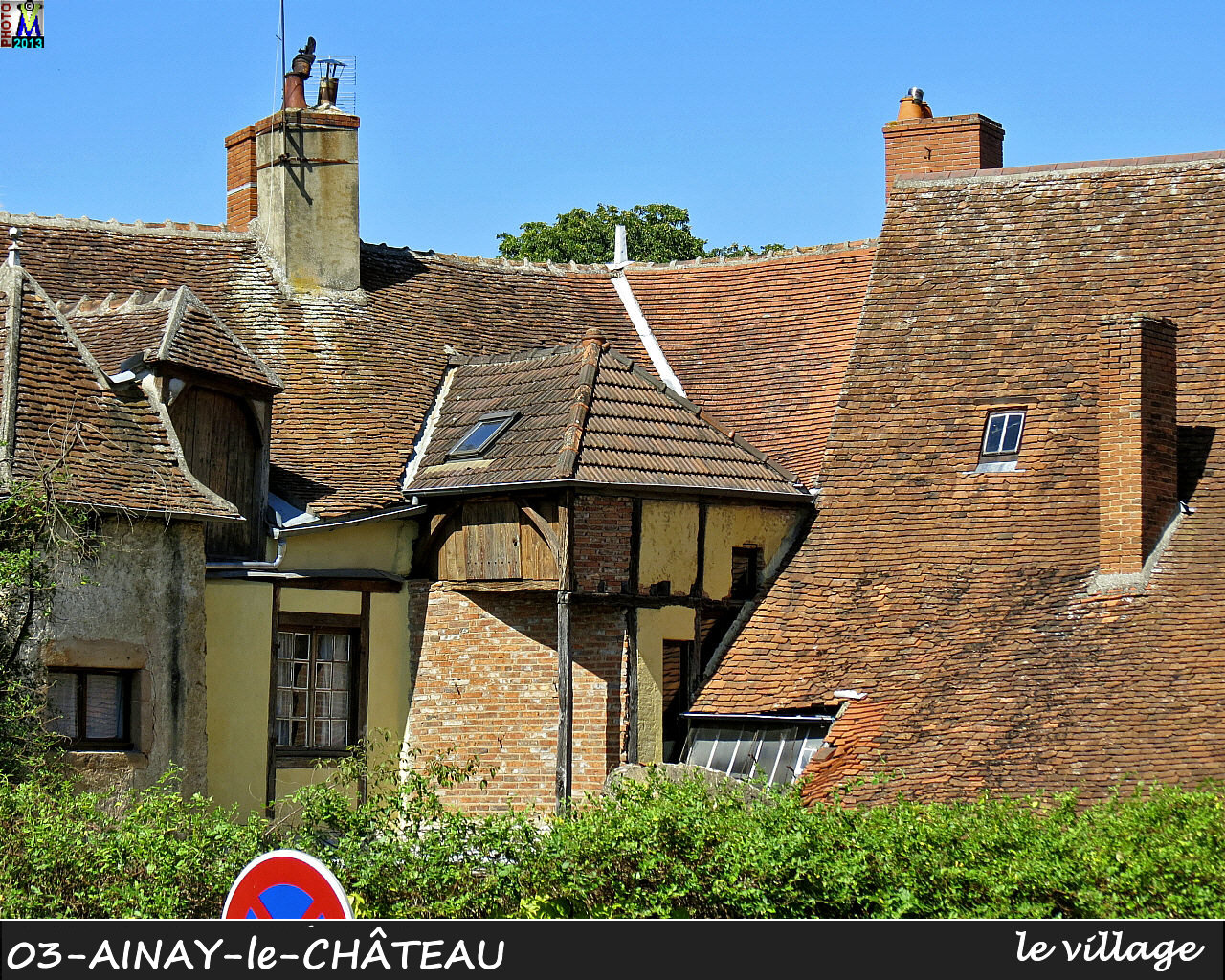 03AINAY-CHATEAU_village_110.jpg