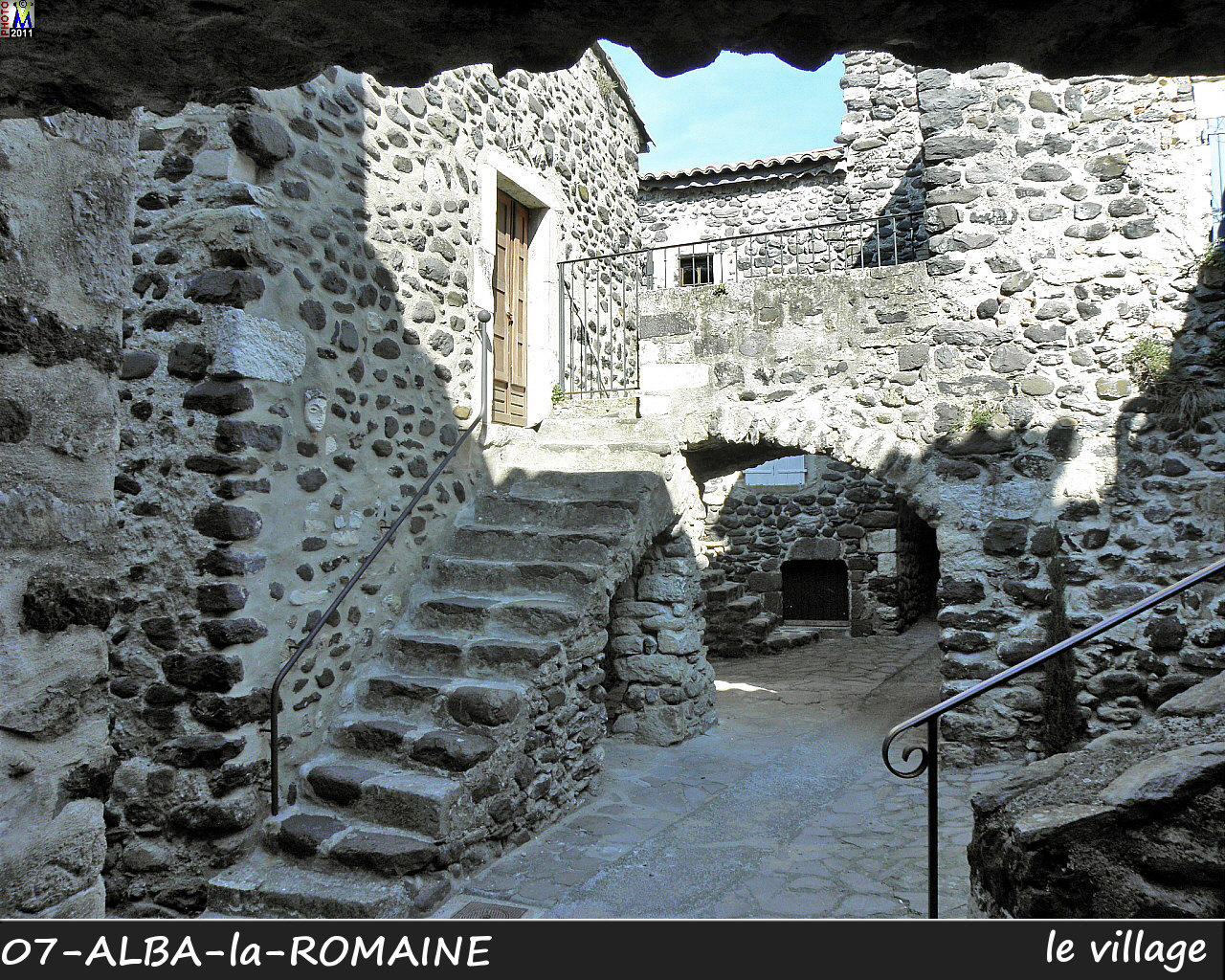 07ALBA-ROMAINE_village_126.jpg