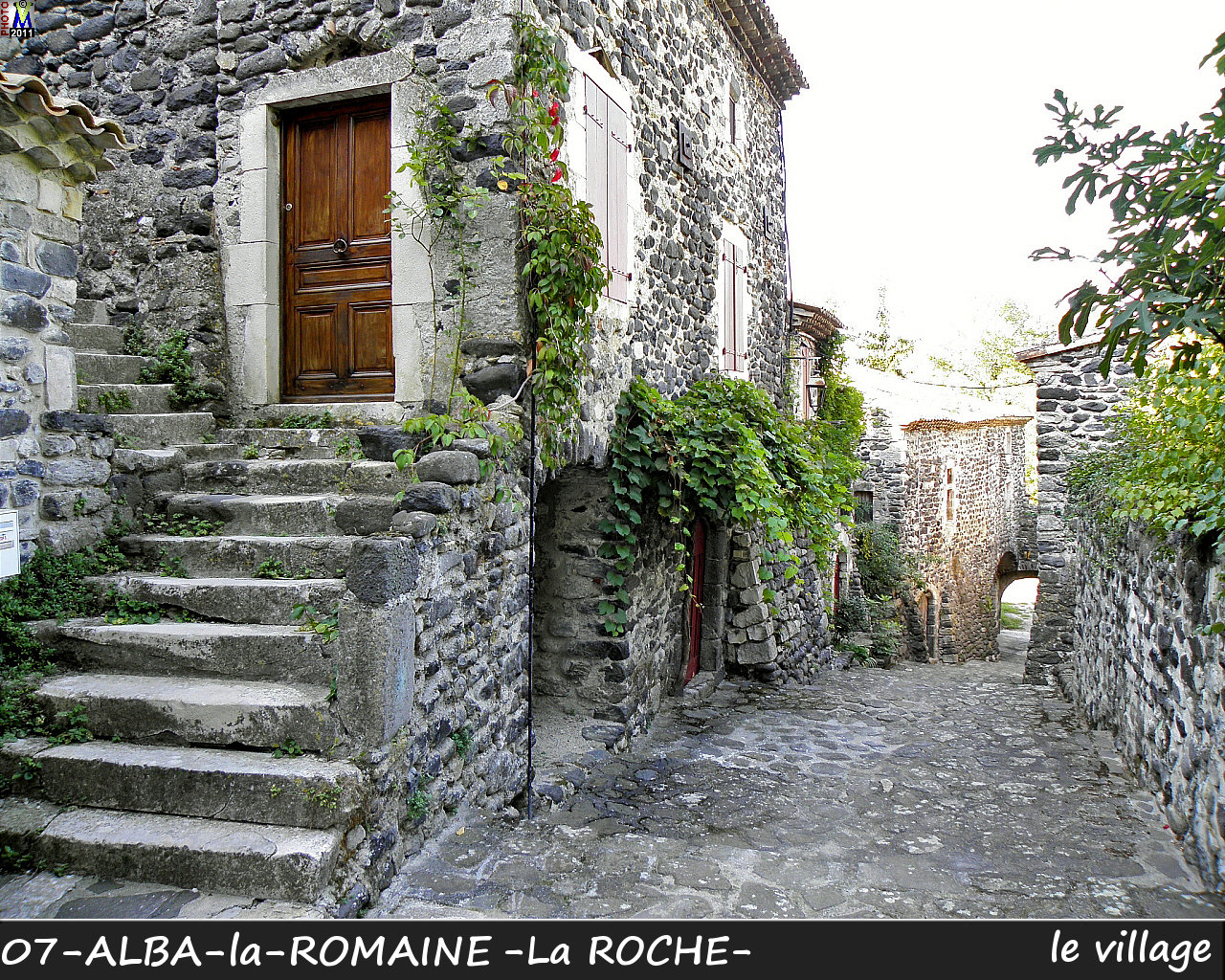 07ALBA-ROMAINEzROCHE_village_112.jpg