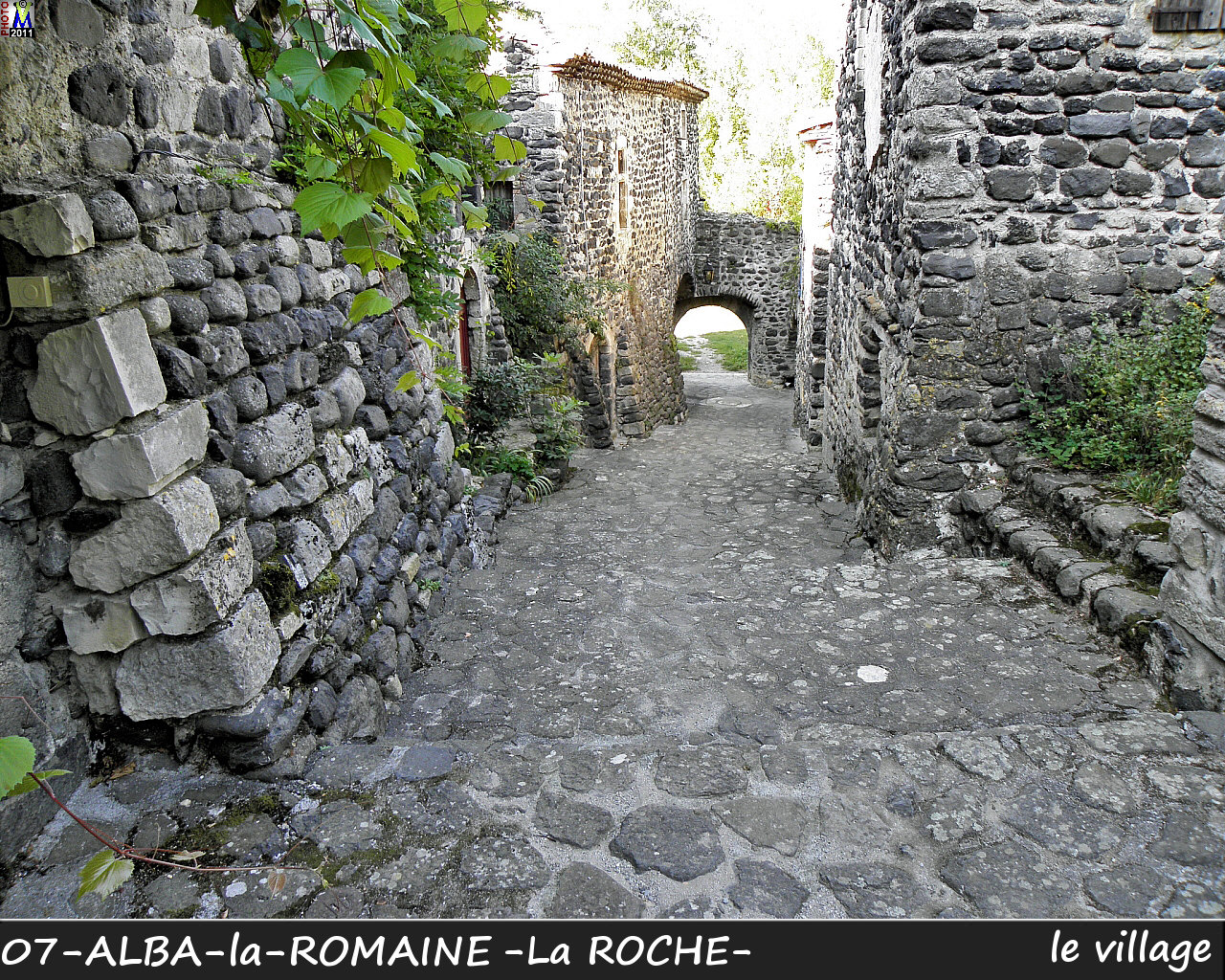 07ALBA-ROMAINEzROCHE_village_114.jpg