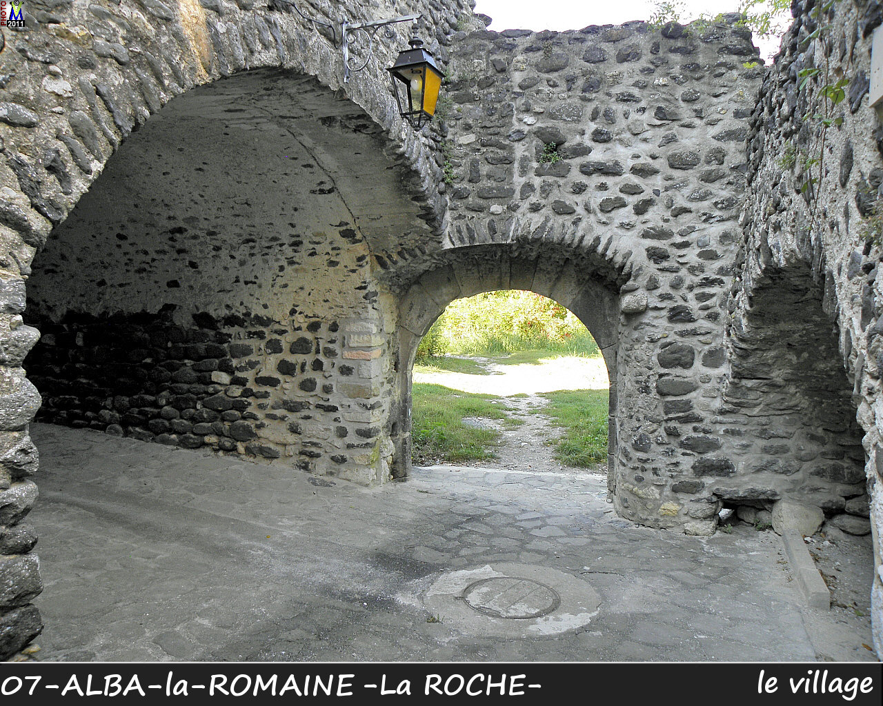 07ALBA-ROMAINEzROCHE_village_116.jpg