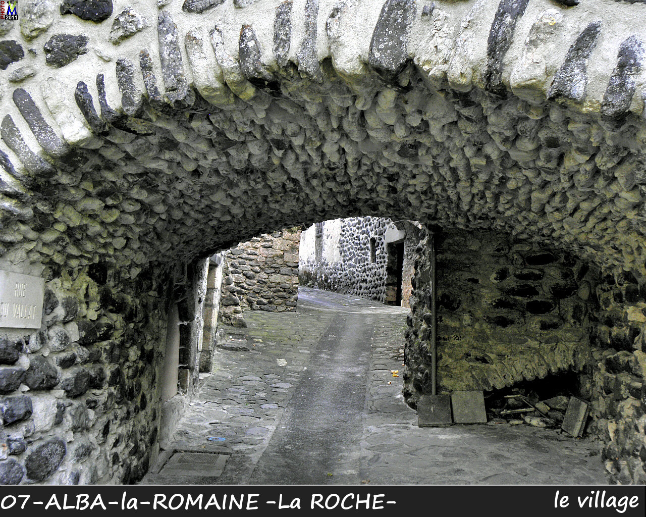 07ALBA-ROMAINEzROCHE_village_124.jpg