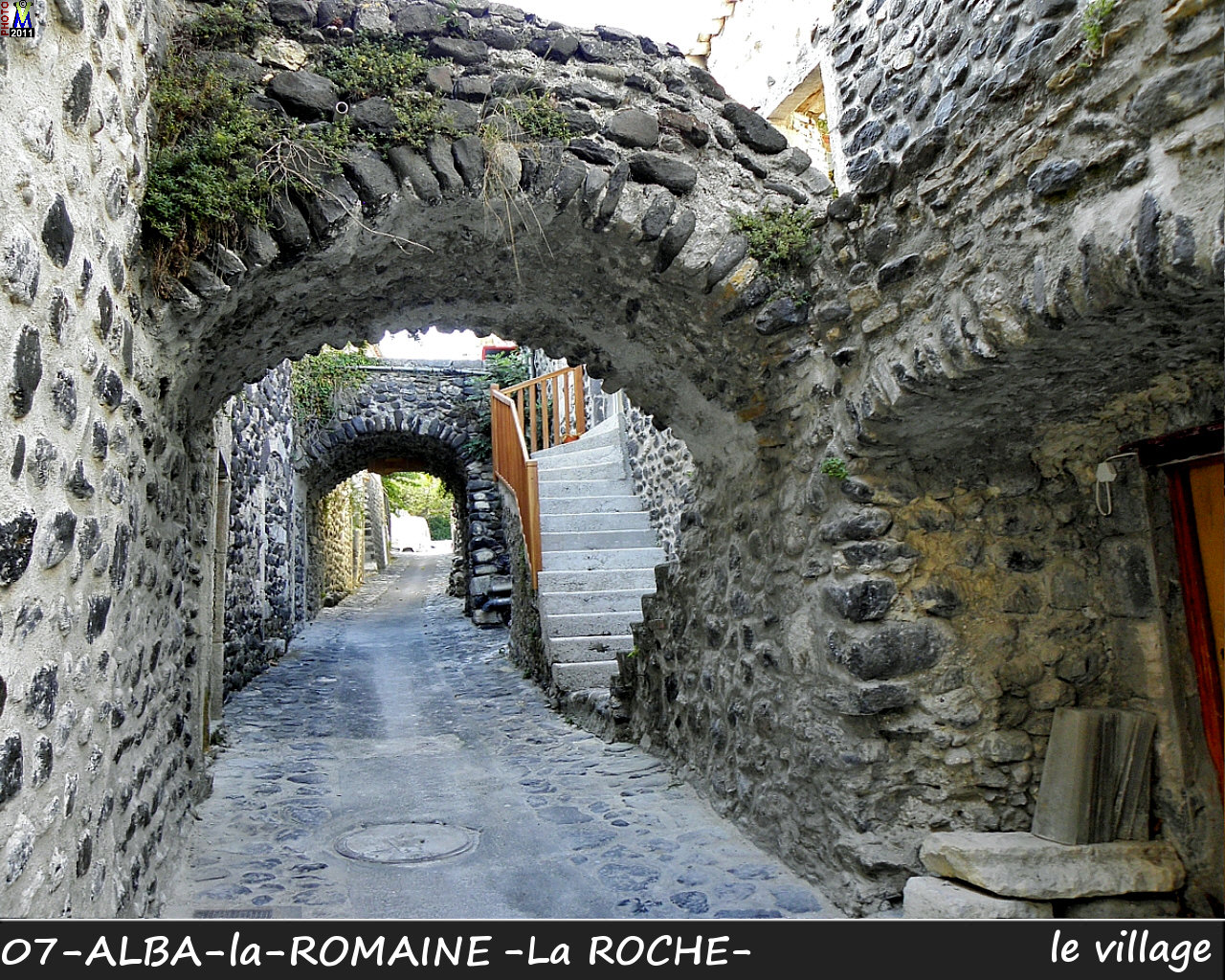 07ALBA-ROMAINEzROCHE_village_144.jpg