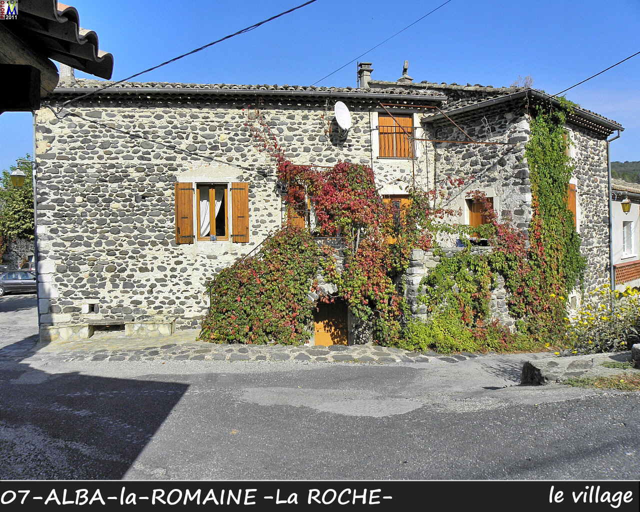 07ALBA-ROMAINEzROCHE_village_146.jpg