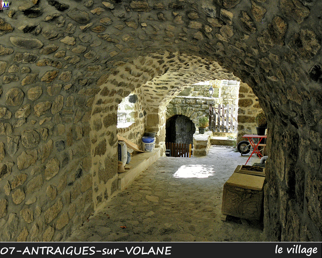 07ANTRAIGUES-VOLANE_village_112.jpg