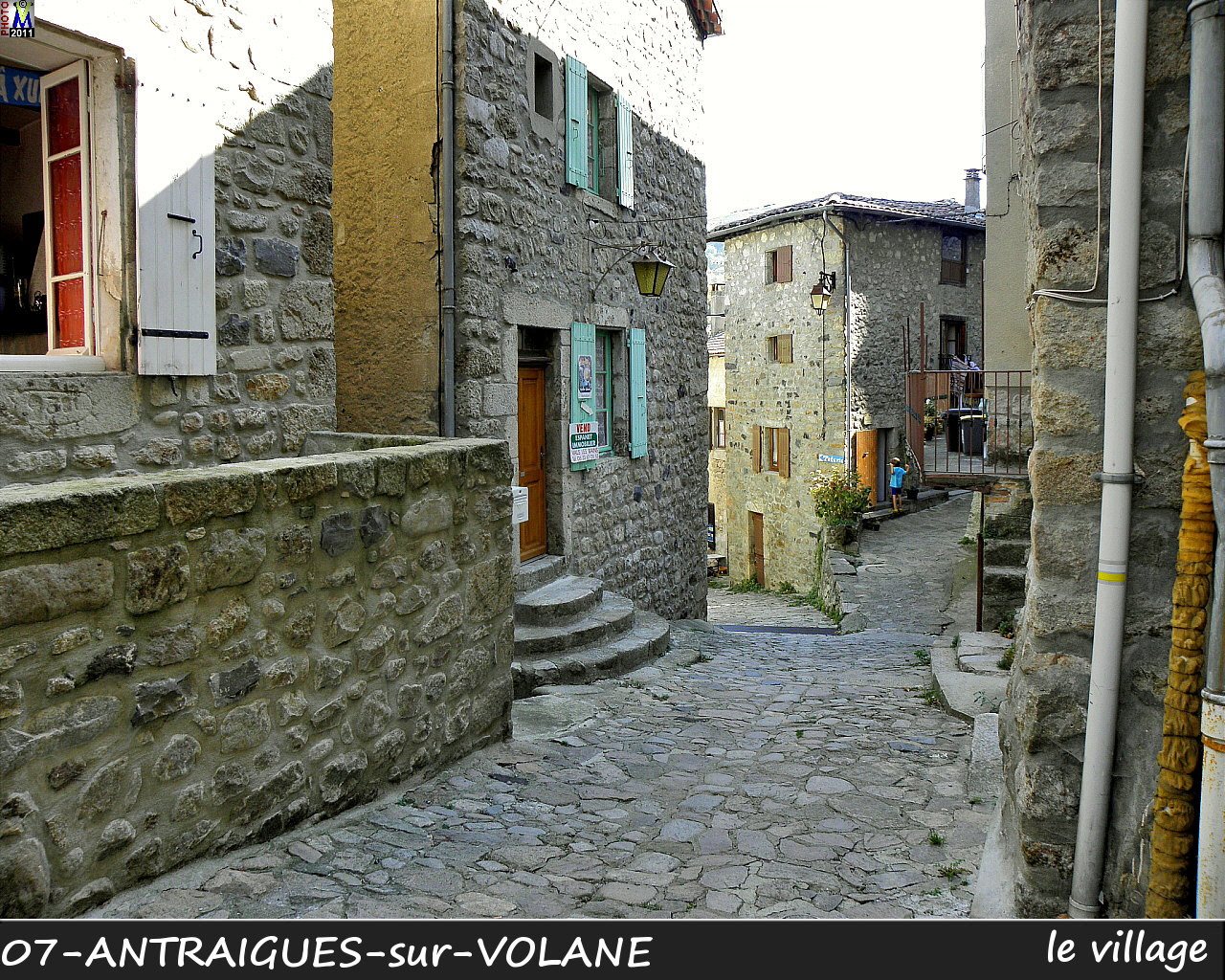 07ANTRAIGUES-VOLANE_village_120.jpg