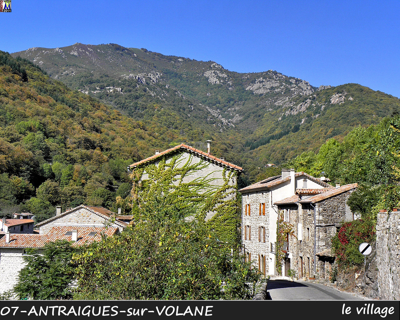 07ANTRAIGUES-VOLANE_village_130.jpg