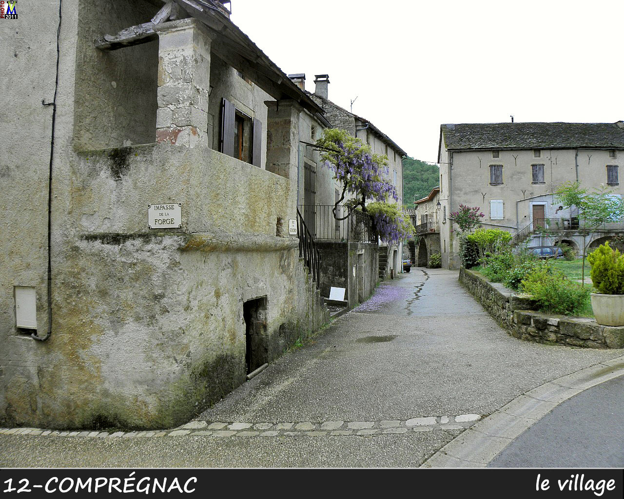 12COMPREGNAC_village_100.jpg