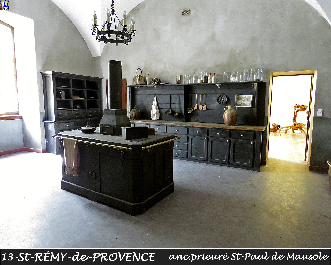 13StREMY-PROVENCE_prieure_190.jpg