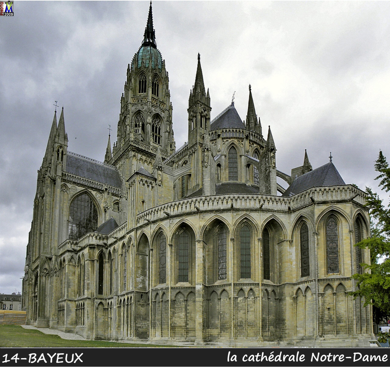 14BAYEUX_cathedrale_100.jpg