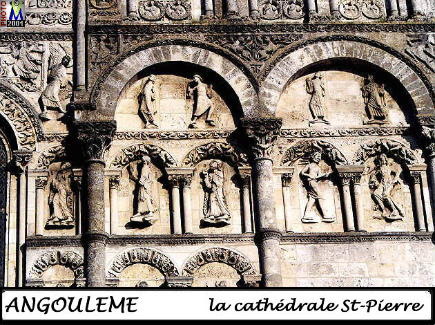 16ANGOULEME_cathedrale_120.jpg