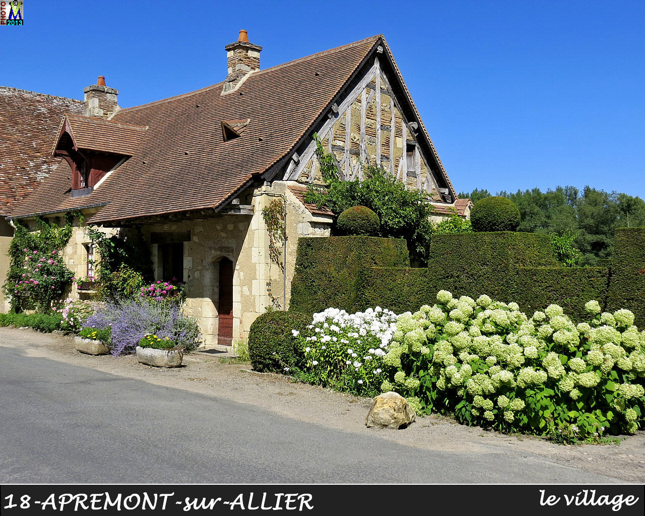 18APREMONT-ALLIER_village_124.jpg