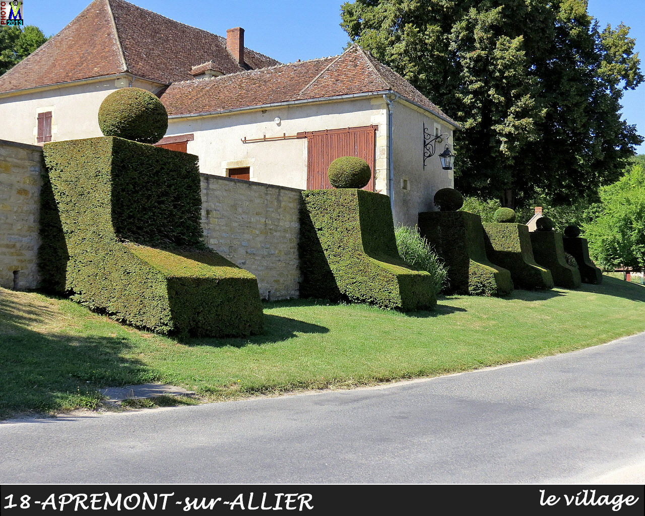18APREMONT-ALLIER_village_142.jpg