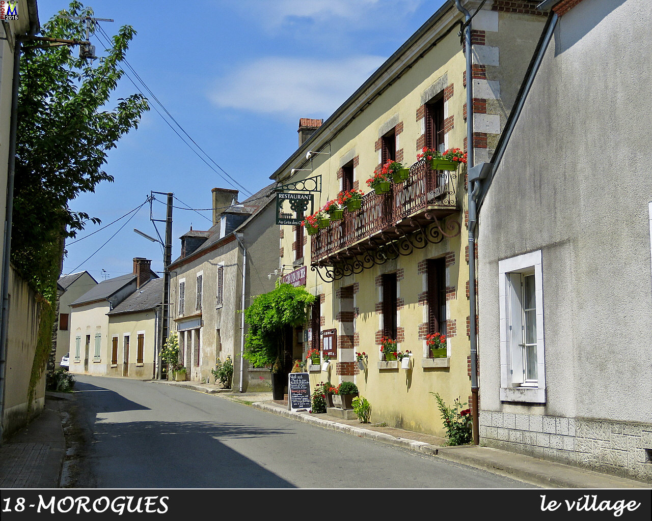18MOROGUES_village_102.jpg