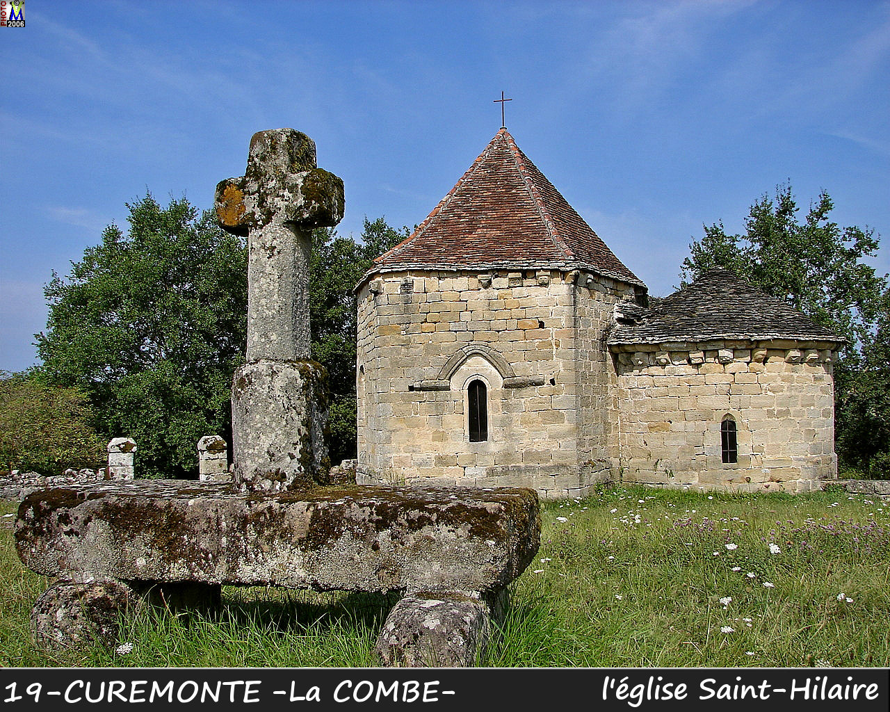 19CUREMONTEzCOMBE_eglise_100.jpg