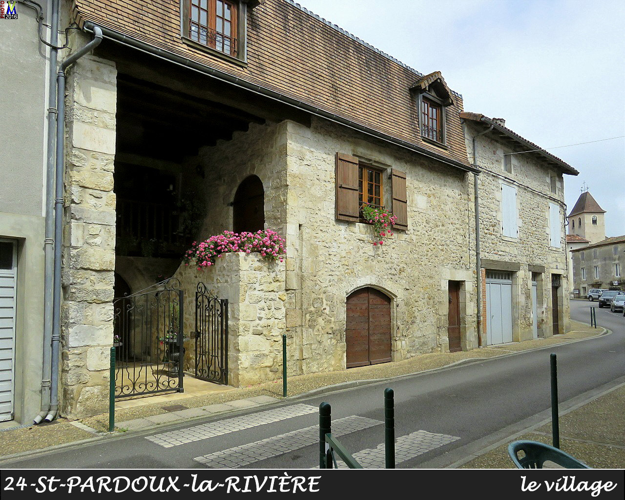 24StPARDOUX-LR_village_1004.jpg
