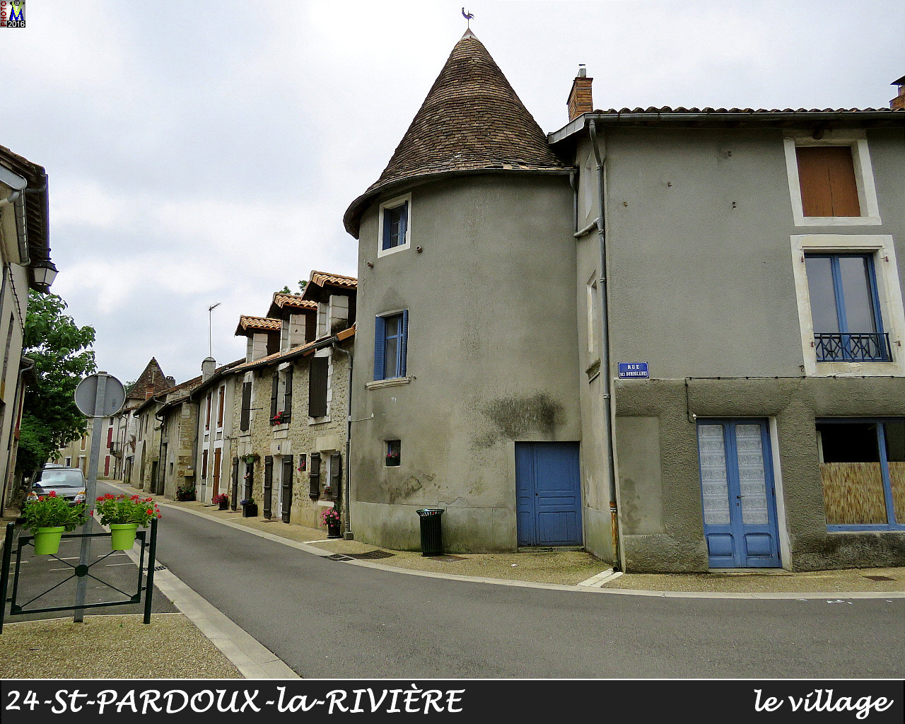 24StPARDOUX-LR_village_1014.jpg