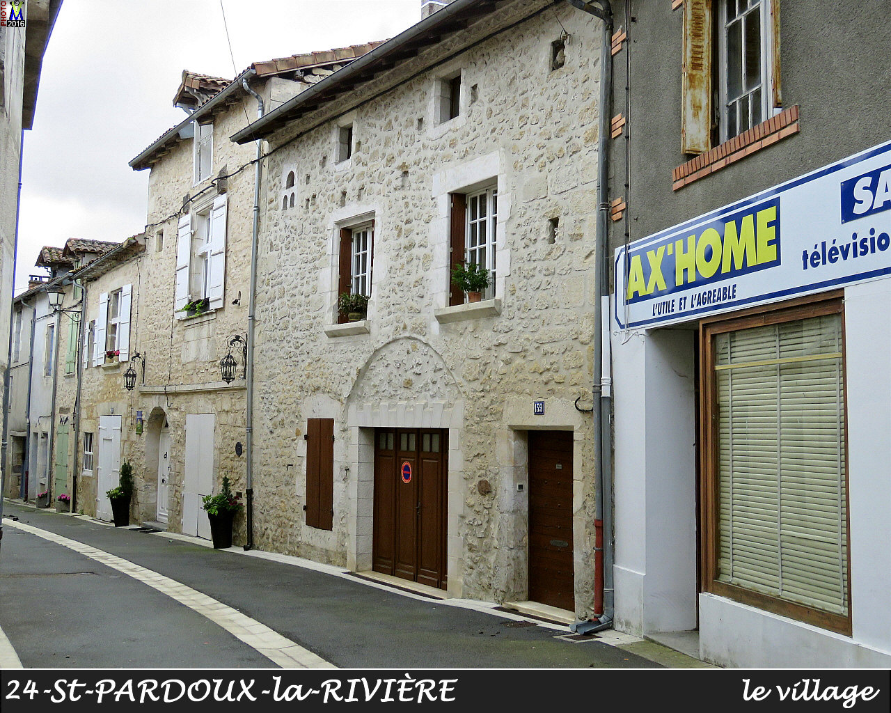 24StPARDOUX-LR_village_1020.jpg