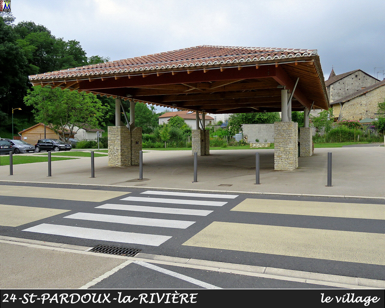 24StPARDOUX-LR_village_1026.jpg