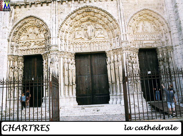 28CHARTRES CATHEDRALE 104.jpg