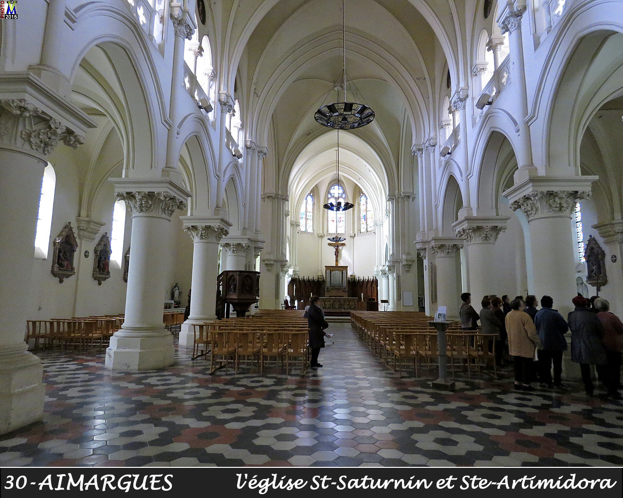 30AIMARGUES_eglise_200.jpg