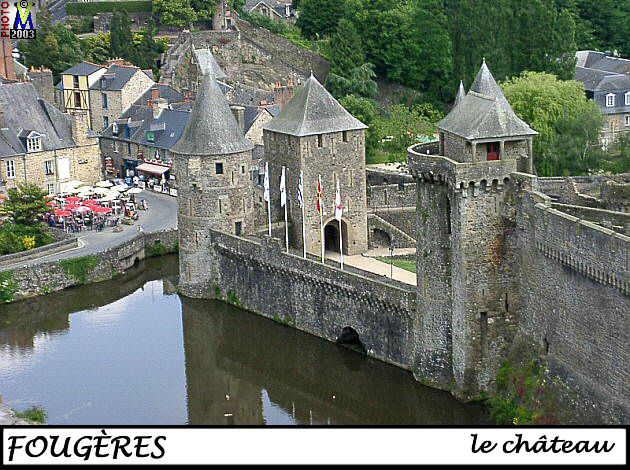 35FOUGERES_chateau_100.jpg
