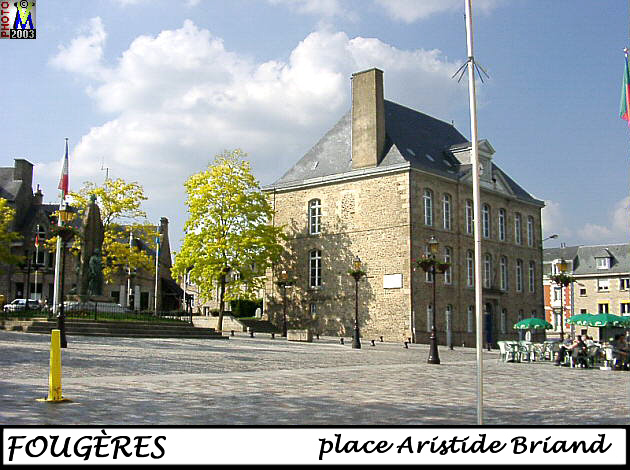 35FOUGERES_place_100.jpg