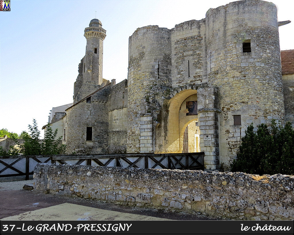 37GRAND-PRESSIGNY_chateau_100.jpg