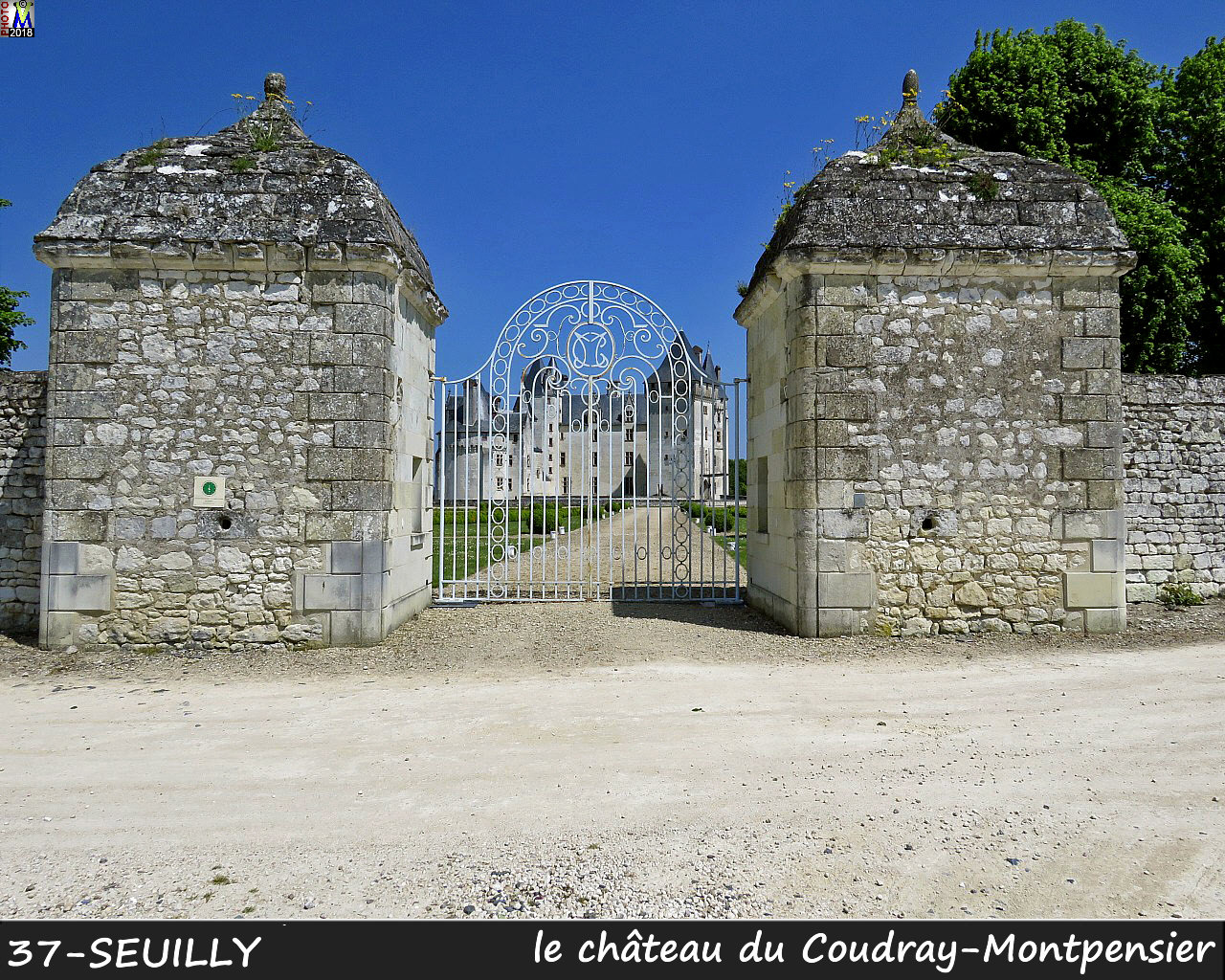 37SEUILLY_chateau_1000.jpg