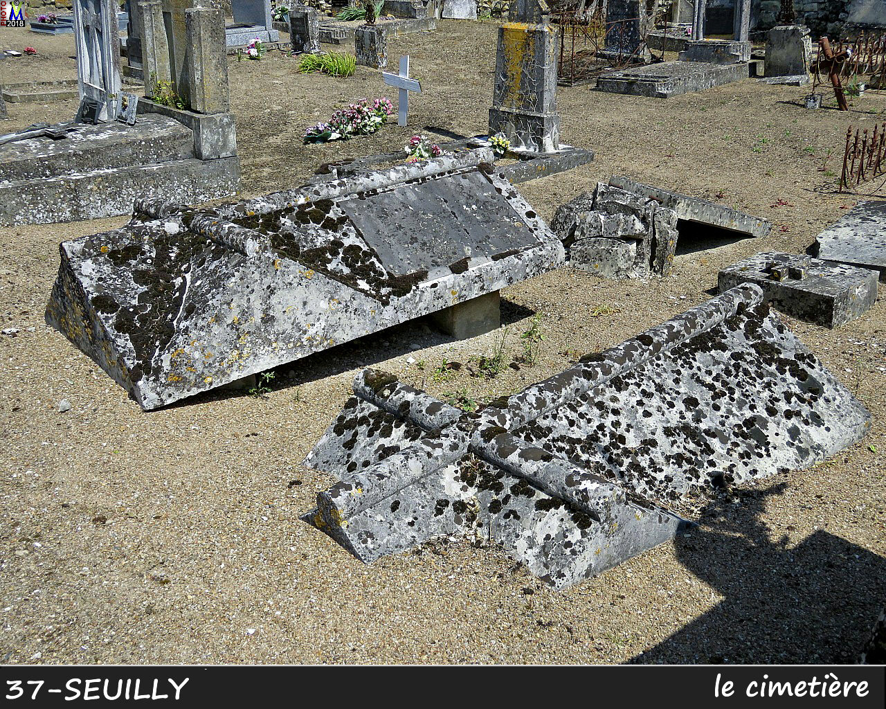 37SEUILLY_cimetiere_1000.jpg