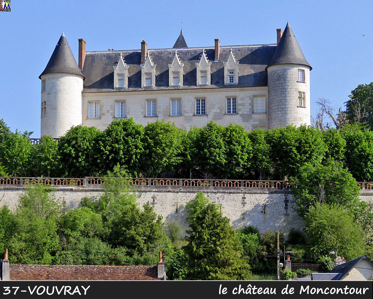 37VOUVRAY_chateau_1002.jpg