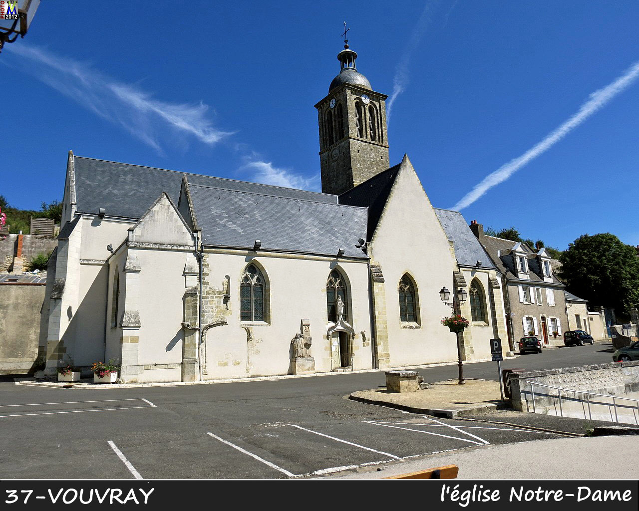 37VOUVRAY_eglise_100.jpg