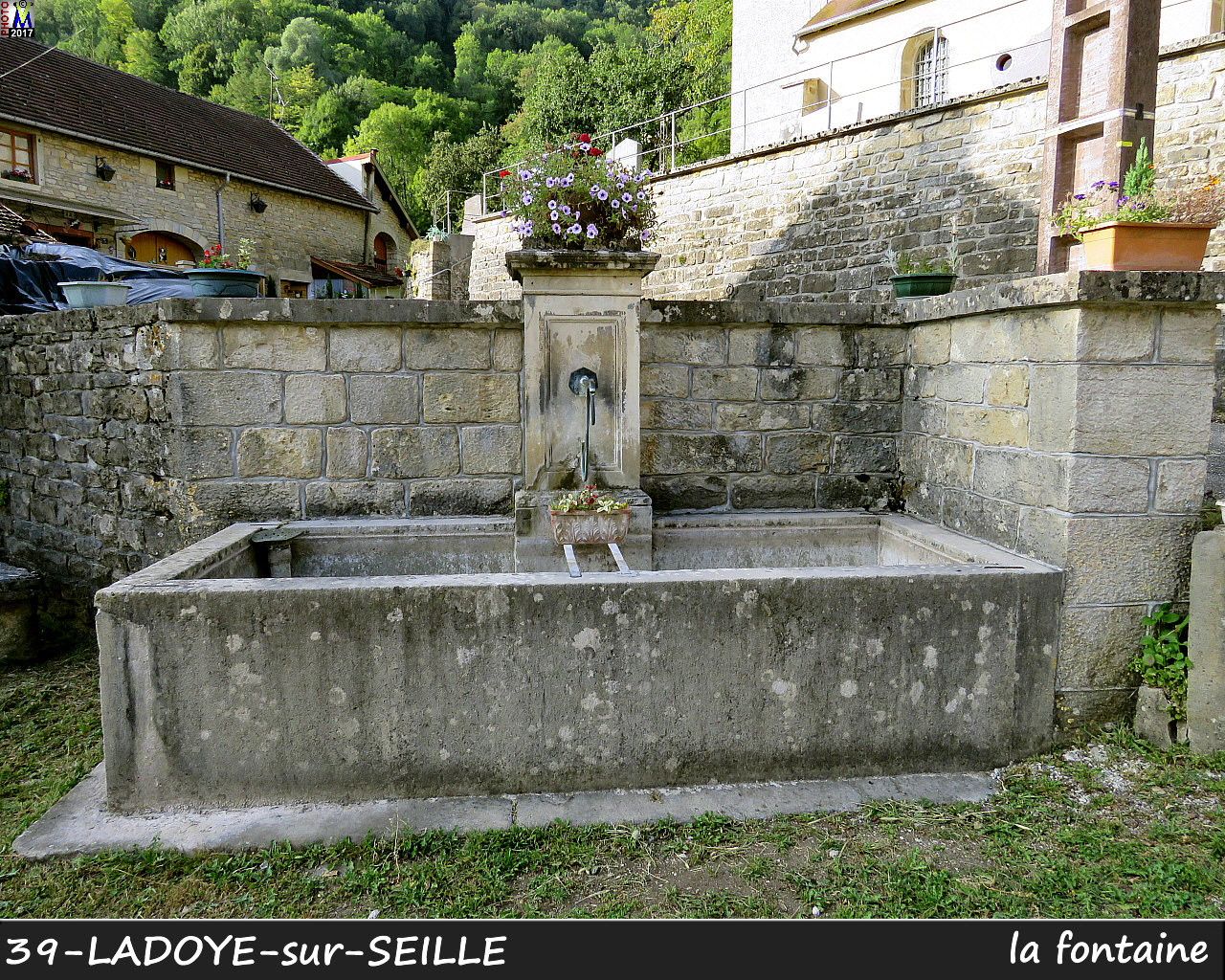 39LADOYE-s-SEILLE_fontaine_100.jpg