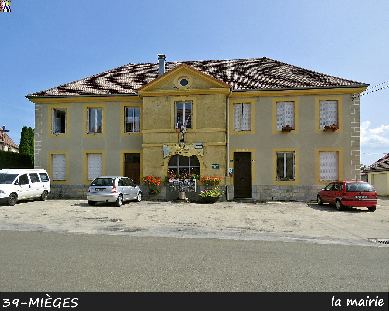 39MIEGES_mairie_100.jpg