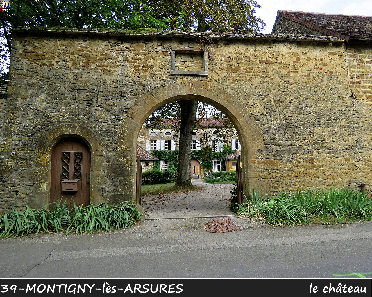 39MONTIGNY-les-ARSURES_chateau_100.jpg