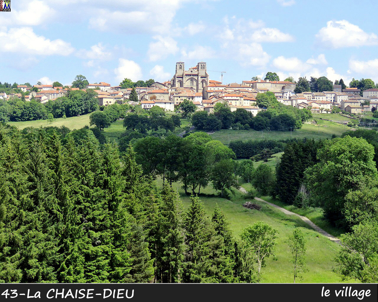 43CHAISE-DIEU_village_100.jpg