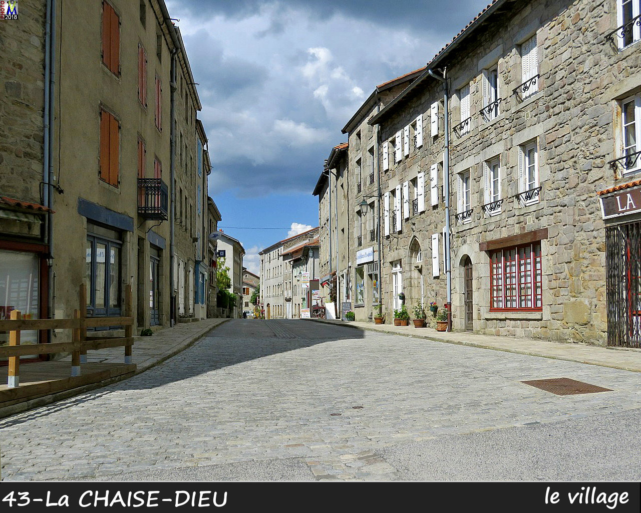 43CHAISE-DIEU_village_104.jpg