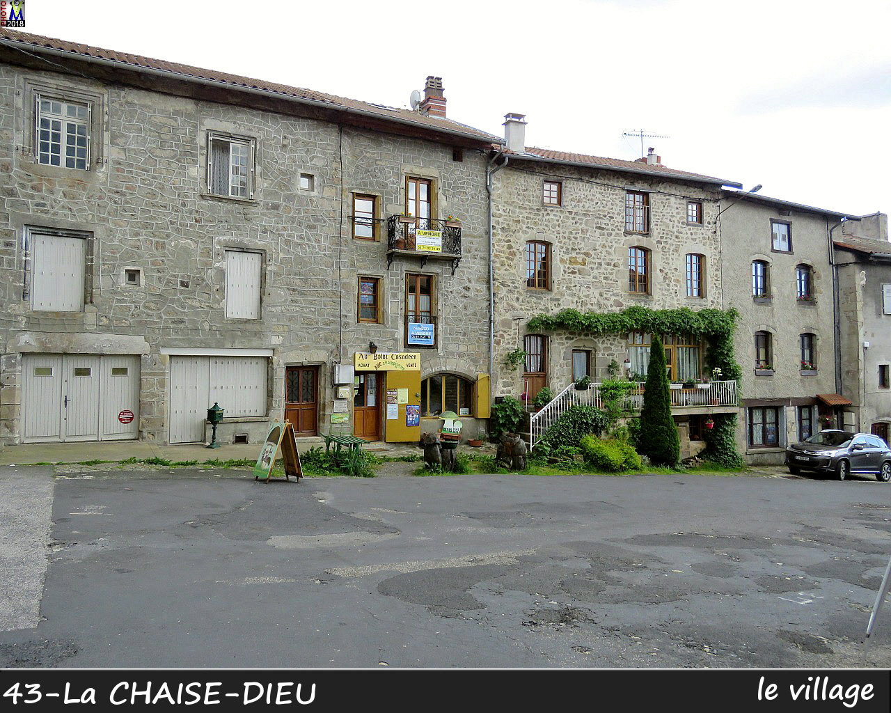 43CHAISE-DIEU_village_118.jpg