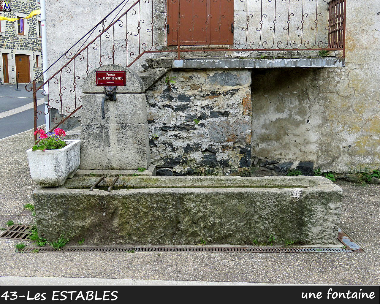 43LesESTABLES_fontaine_110.jpg