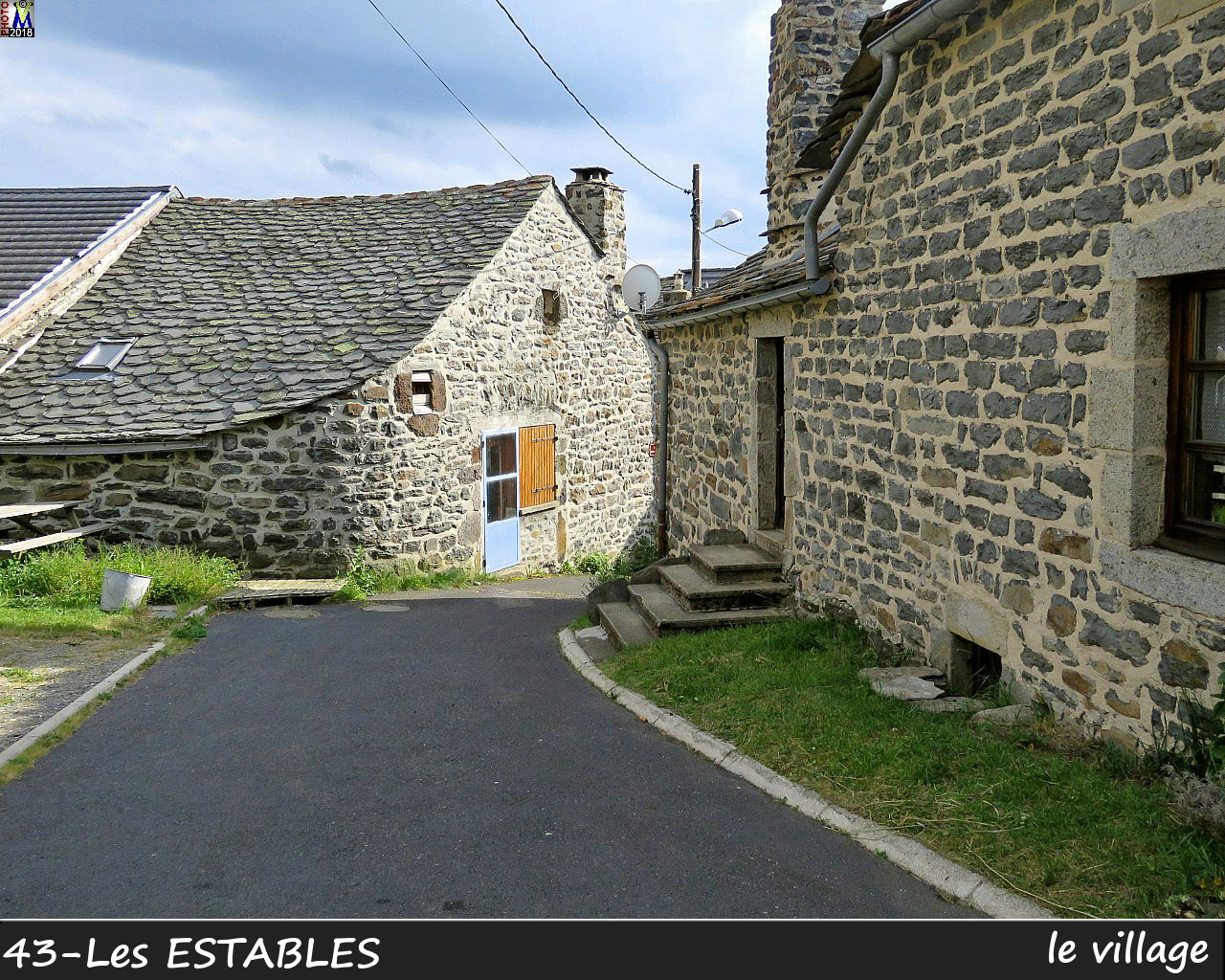43LesESTABLES_village_104.jpg