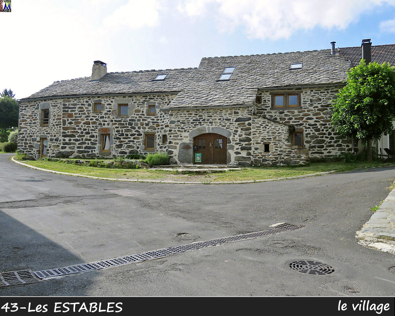 43LesESTABLES_village_106.jpg