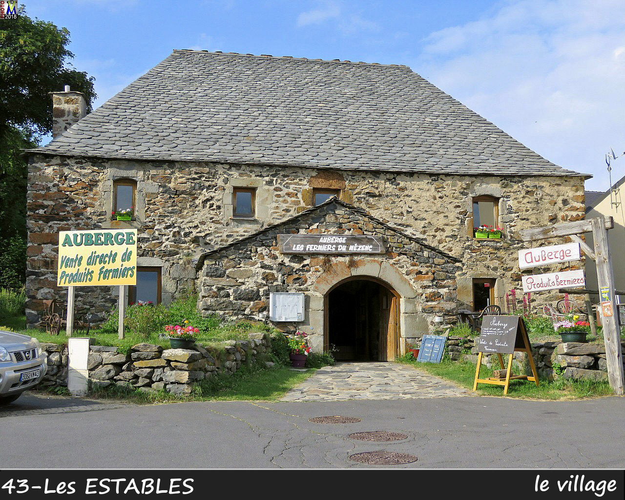 43LesESTABLES_village_112.jpg