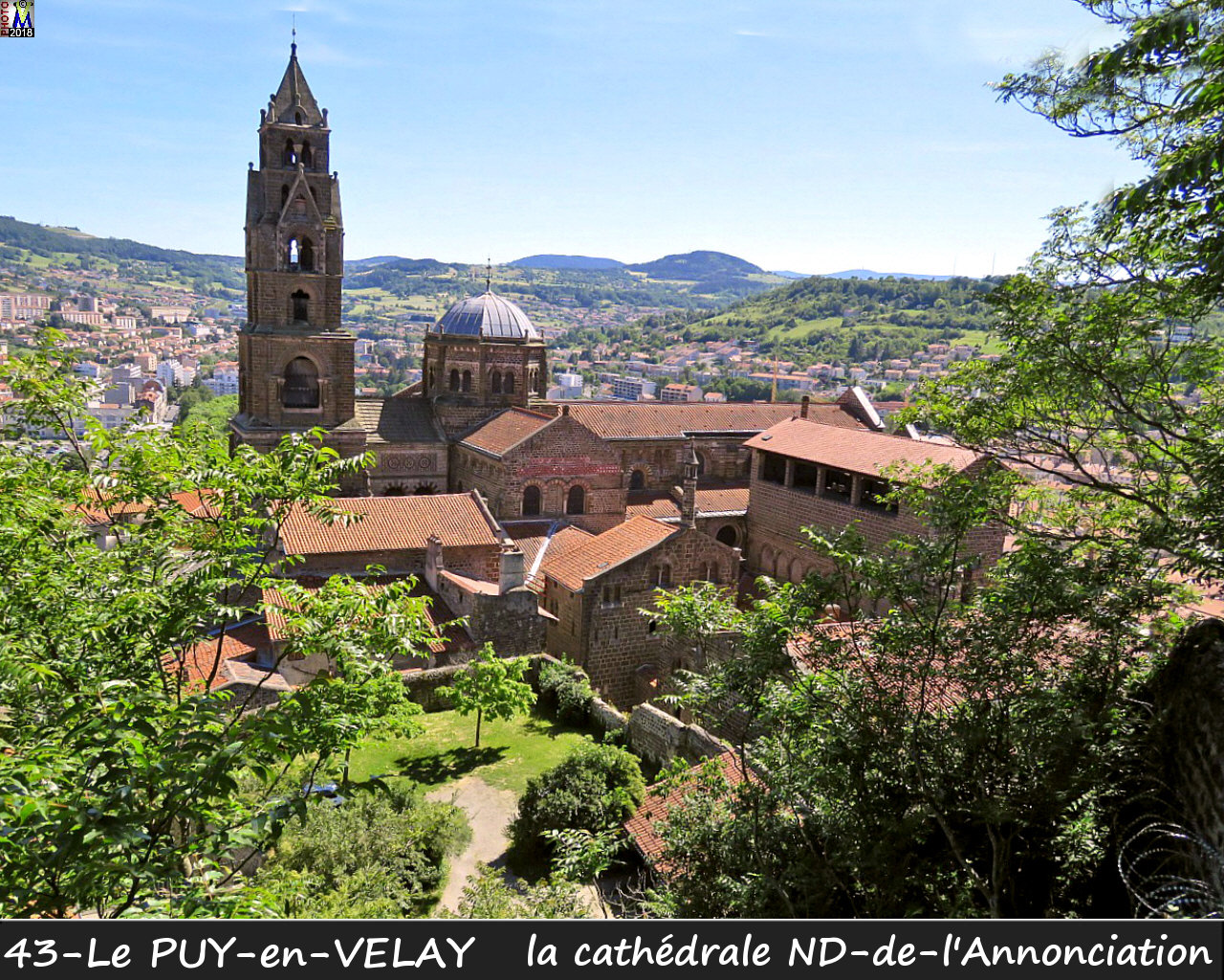43PUY-EN-VELAY_cathedrale_100.jpg