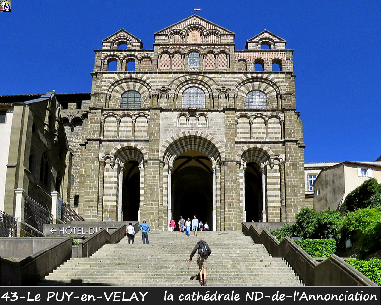43PUY-EN-VELAY_cathedrale_112.jpg