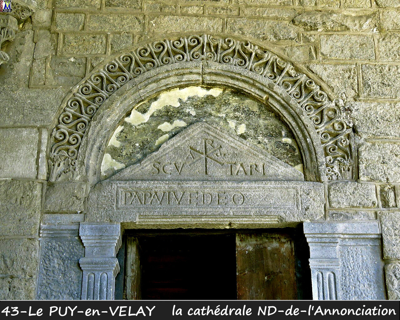43PUY-EN-VELAY_cathedrale_150.jpg